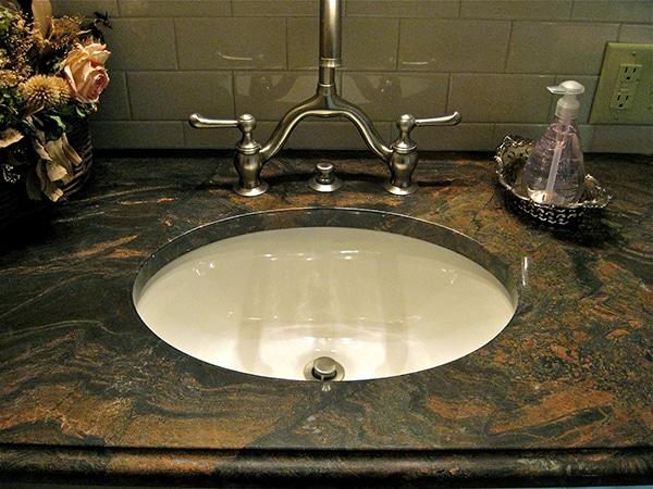 Capolavoro Granite 2cm Ogee Edge